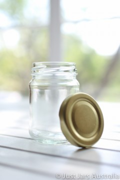 SALE ITEM - 105 x 150ml round glass jars with gold lids