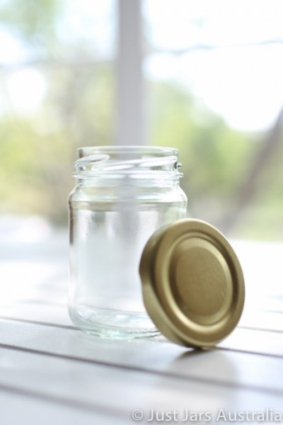 SALE ITEM - 105 x 150ml round glass jars with gold lids