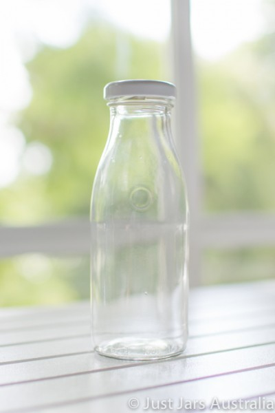 250ml bottle (with lid)
