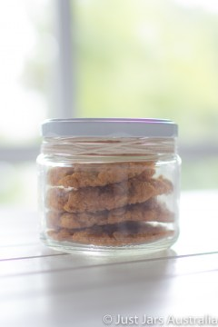 300ml short wide jar (with lid)
