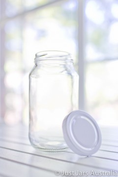 SALE ITEM - 40 x 500ml round jars with white lids