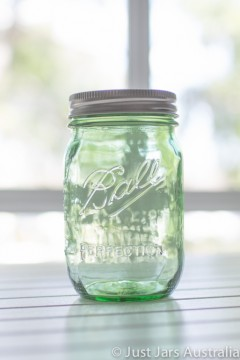 SALE ITEM - Last remaining stock to clear - 24 x green Heritage Ball Mason jars